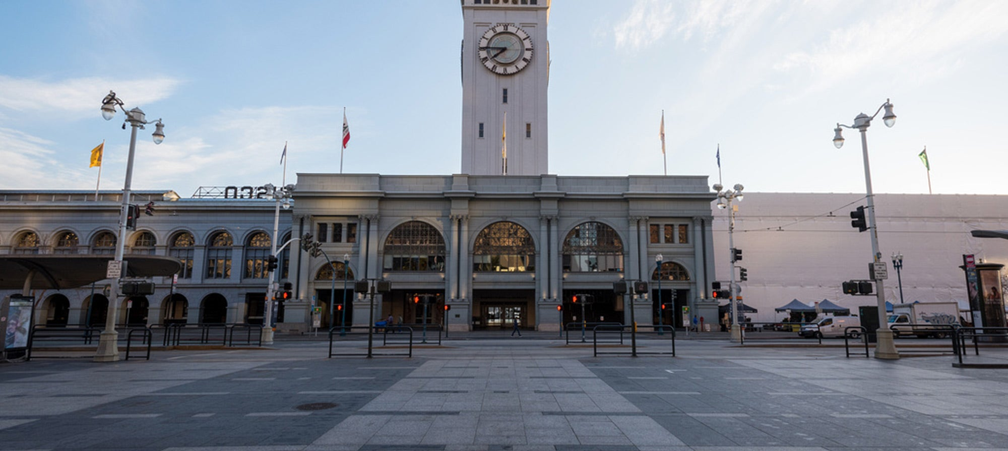 Photo of SF Ferry Building plaza by Karl Nielsen