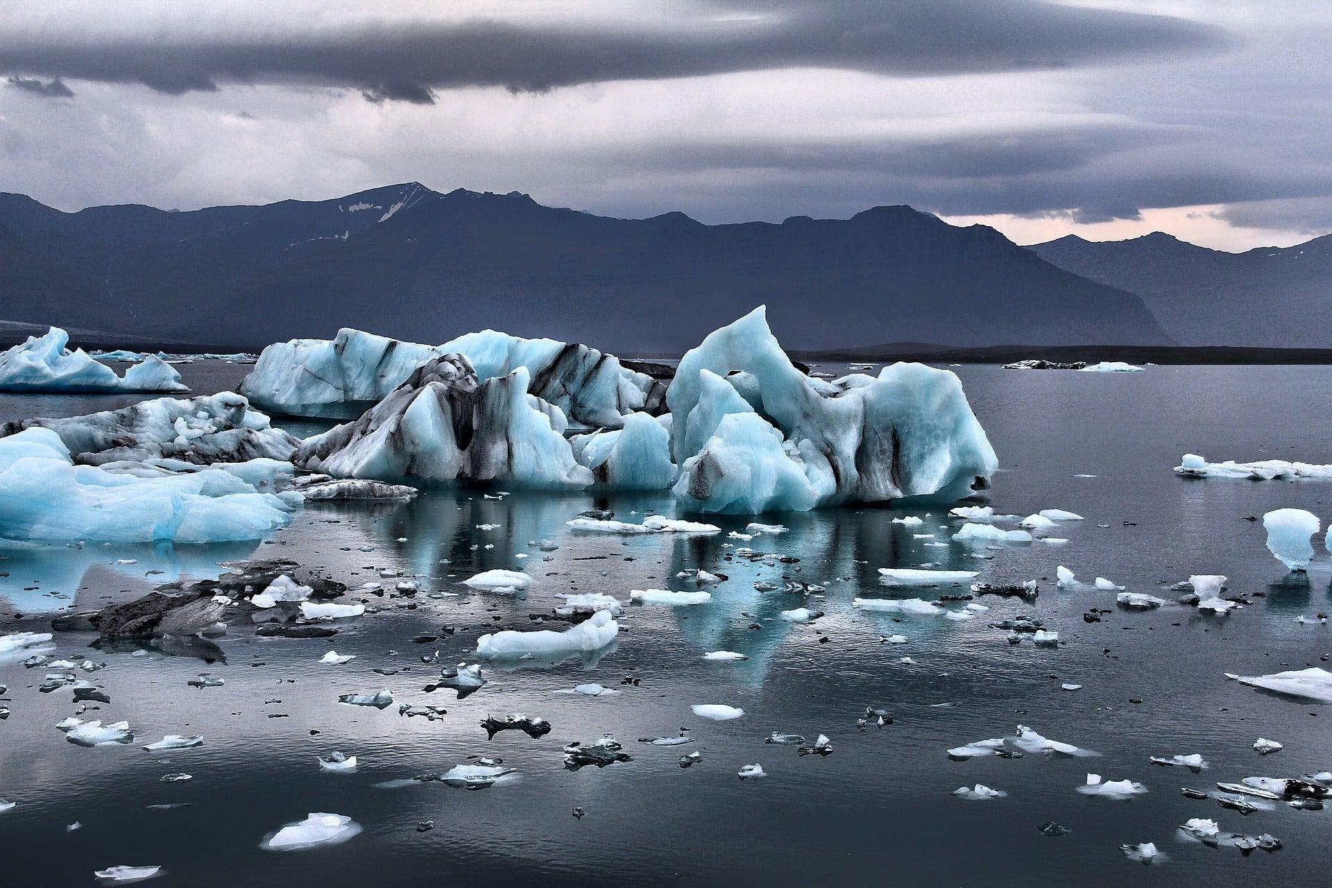 image of melting glaciers