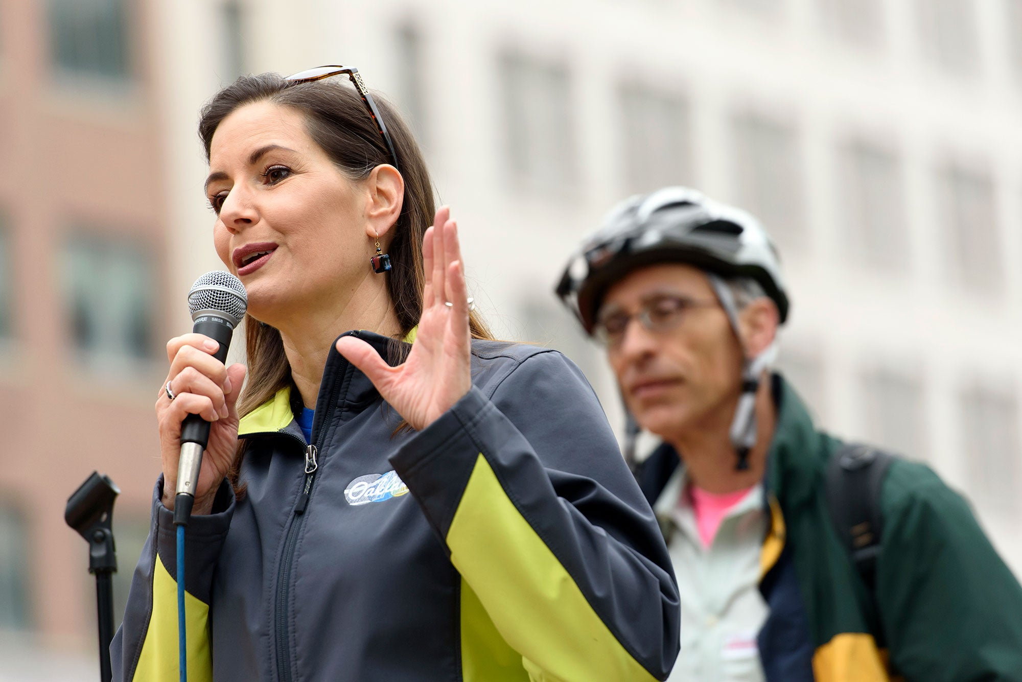 MTC Commissioner and Oakland Mayor Libby Schaaf welcomes hungry celebrants at the annual Bike to Work Day breakfast in Frank Ogawa Plaza