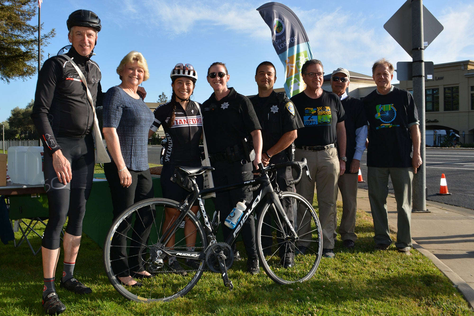 Los Altos Councilmember and MTC Commissioner Jeannie Bruins with members of the City of Los Altos Complete Streets Commission, Los Altos Police Department and Bike to Work Day riders