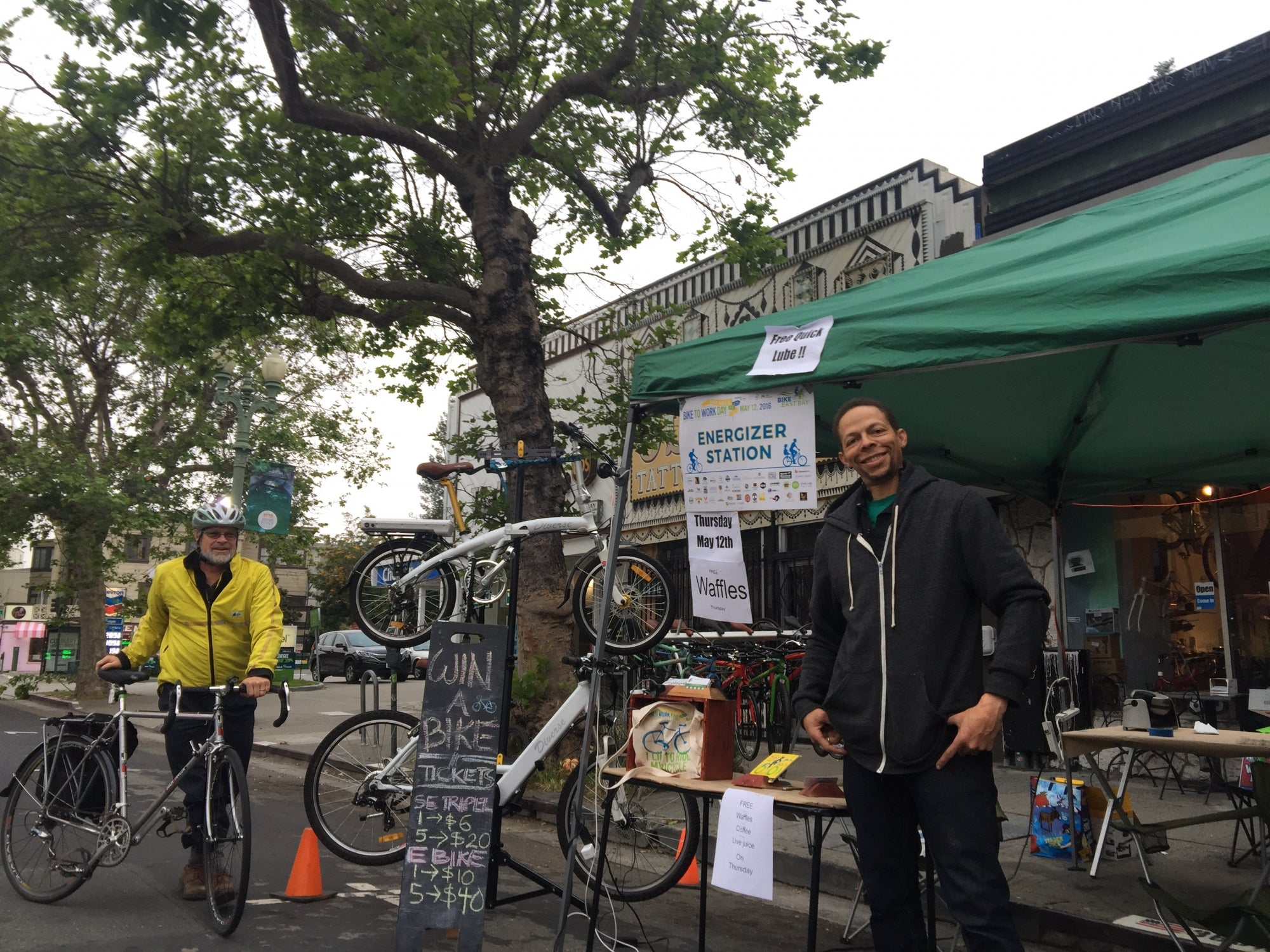 Cyclist visiting the Oakland Spokes energizer station in Oakland