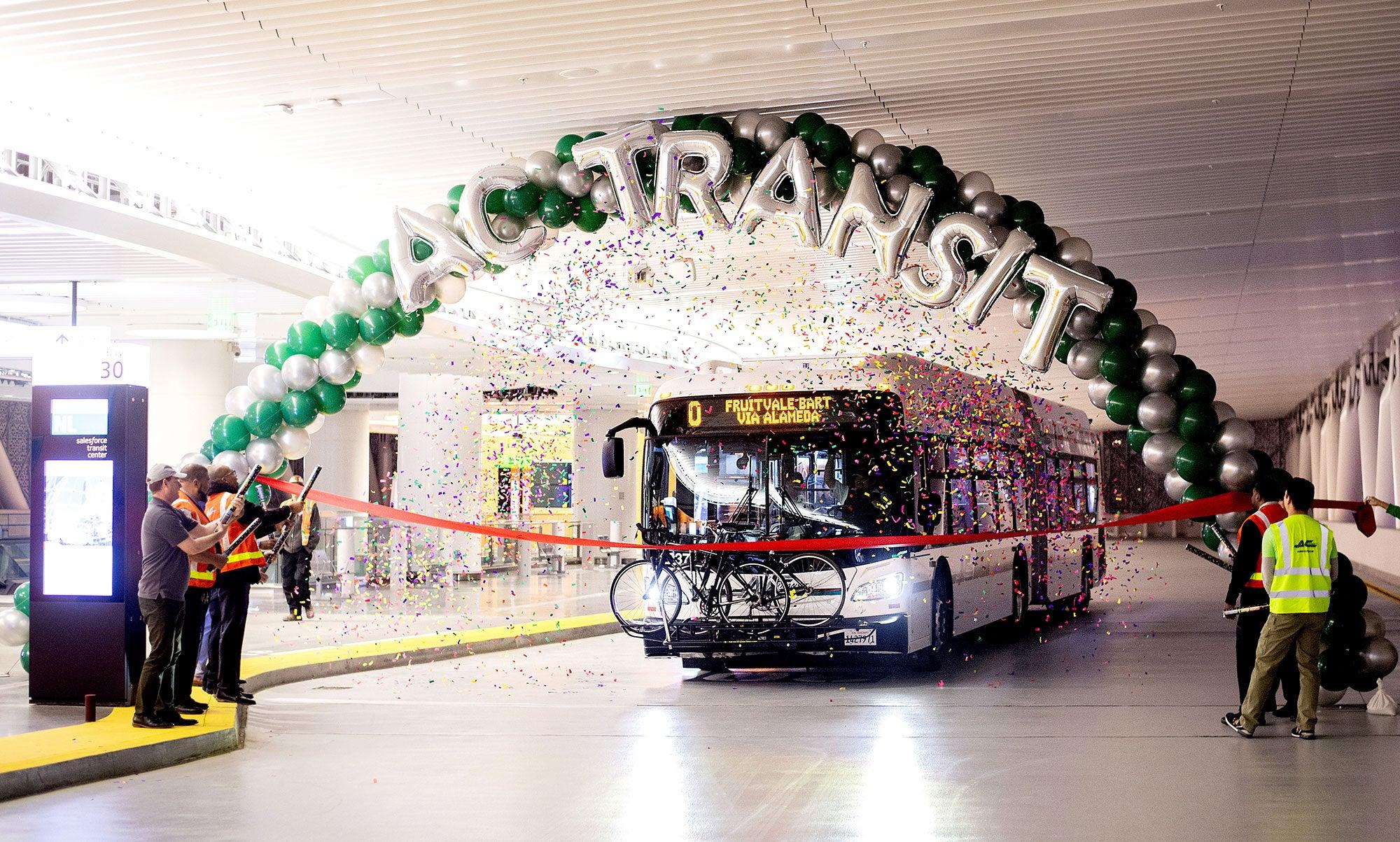 First AC Transit Bus arrives at the Salesforce Transit Center