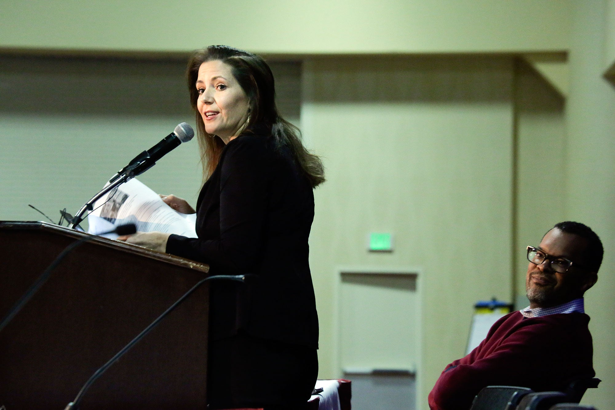 MTC Commissioner and Oakland Mayor Libby Schaaf welcomed the forum's attendees and spoke about the housing challenges that Oakland faces.