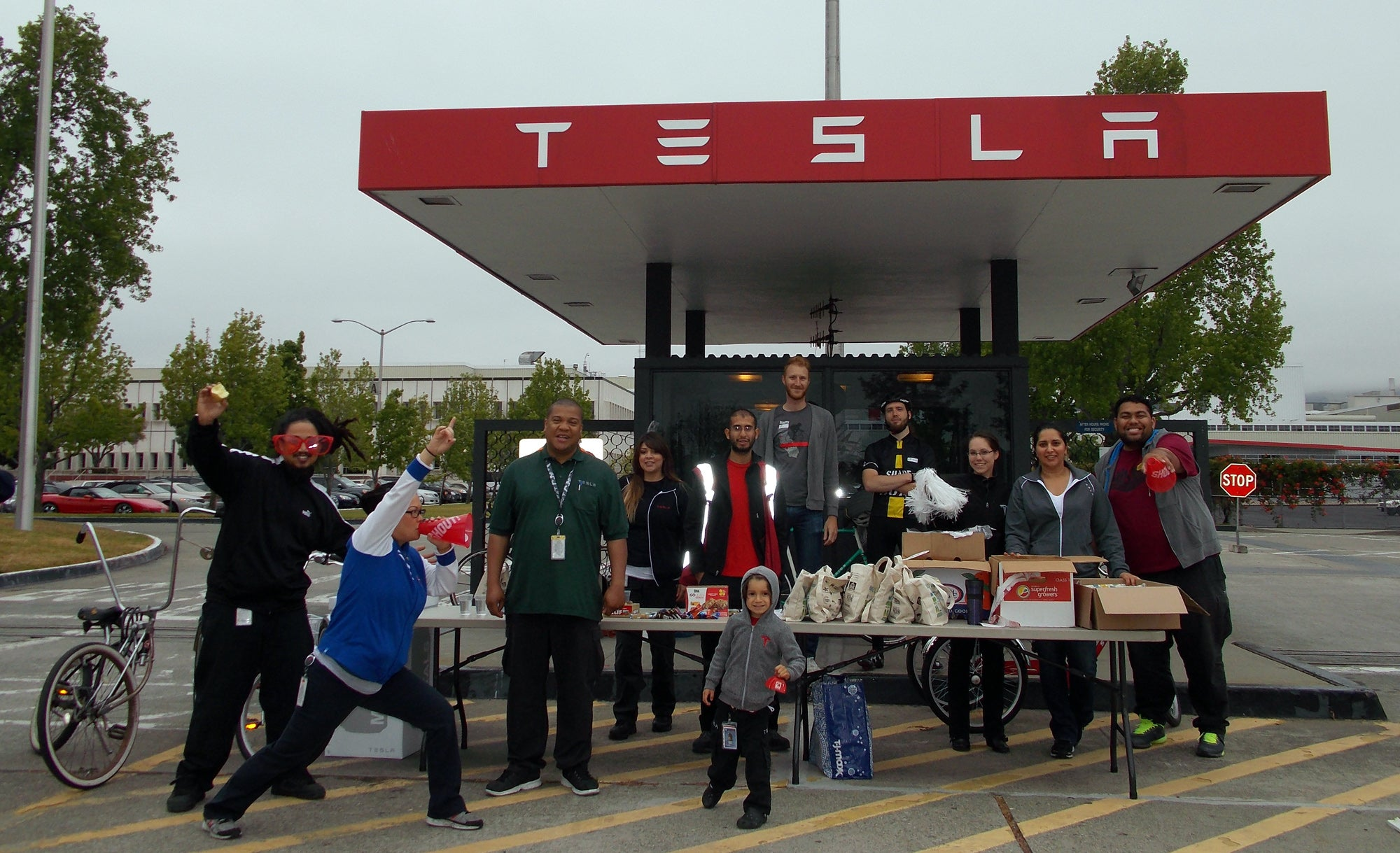 Electric vehicle manufacturer Tesla Motors did its part by setting up an Energizer Station in front of its Fremont factory.