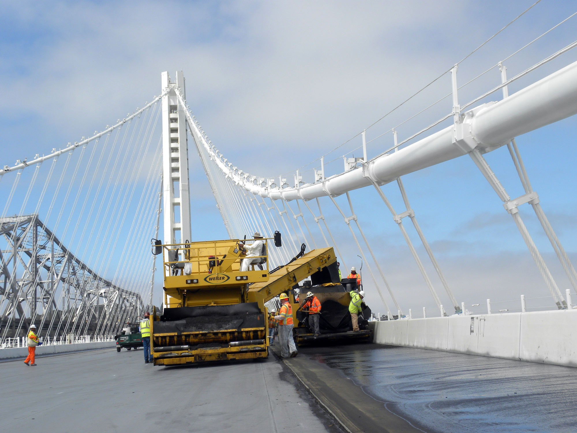 ddf4d47ca3e87 Paving the Self-Anchored Suspension Span