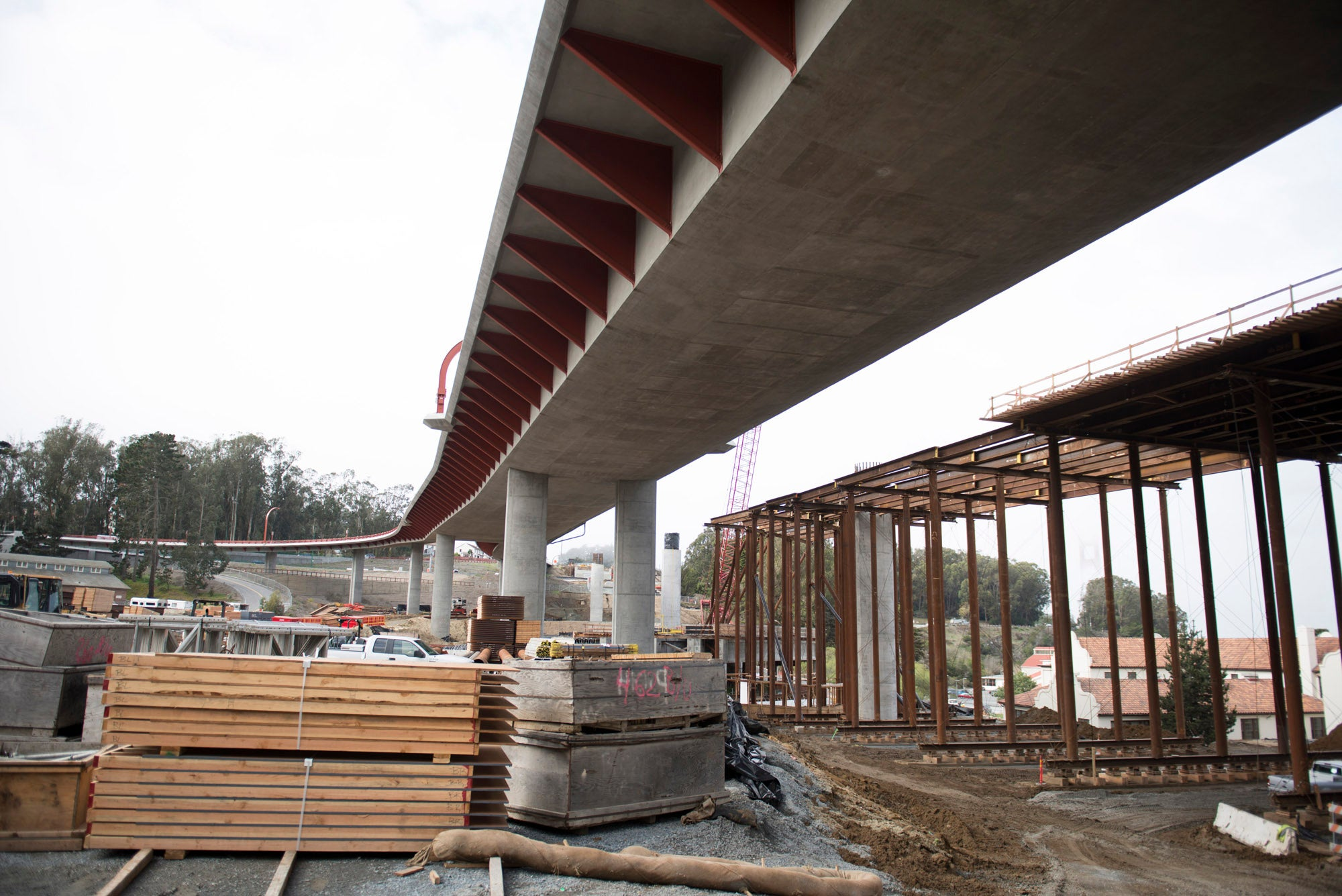 The northbound High Viaduct will be aesthetically identical to its southbound counterpart, which now carries traffic.