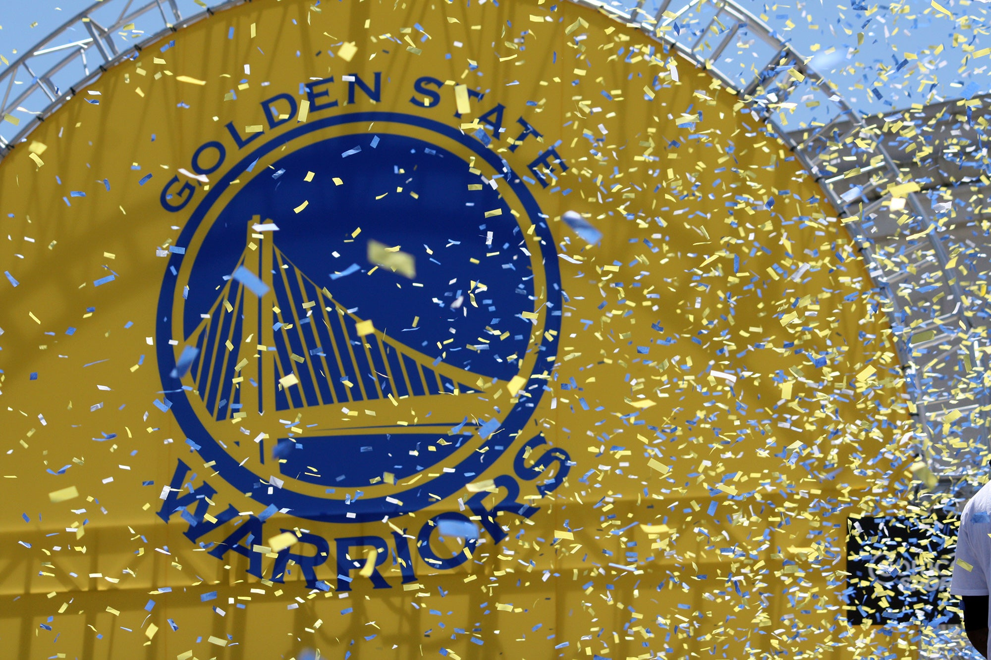 The Warriors' logo pays tribute to their hometown bridge.