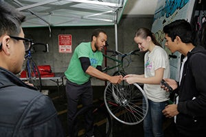 Bay Area Bike Mobile put on its ever-popular bike repair workshop. The Bike Mobile is funded through the Metropolitan Transportation Commission (MTC) and the Bay Area Air Quality Management District's Spare the Air Youth grant program.