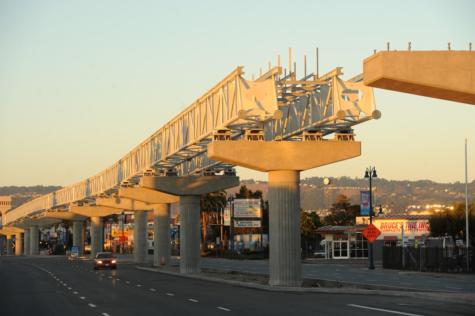 Oakland Airport Connector construction