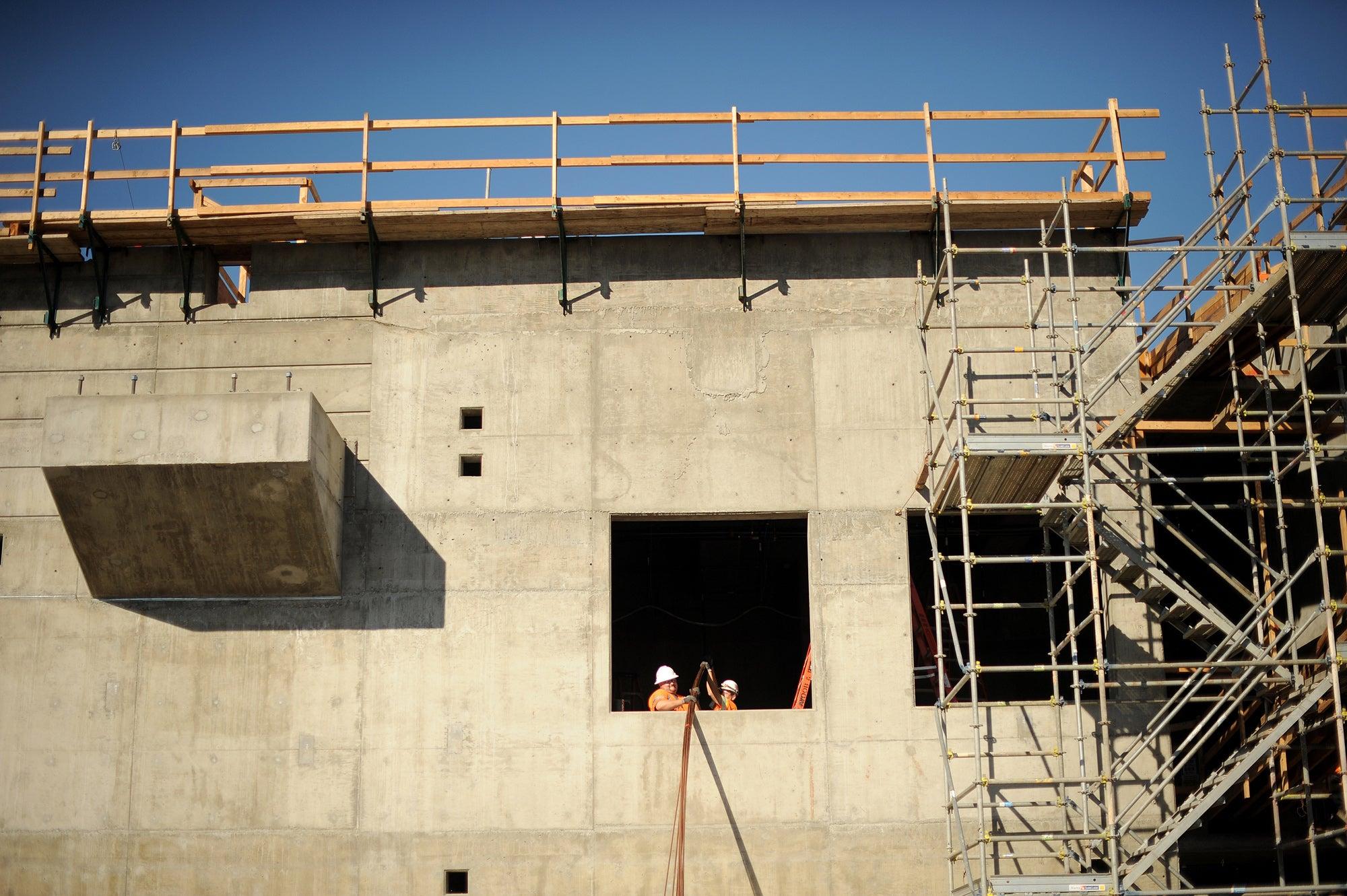 Oakland Airport Connector construction