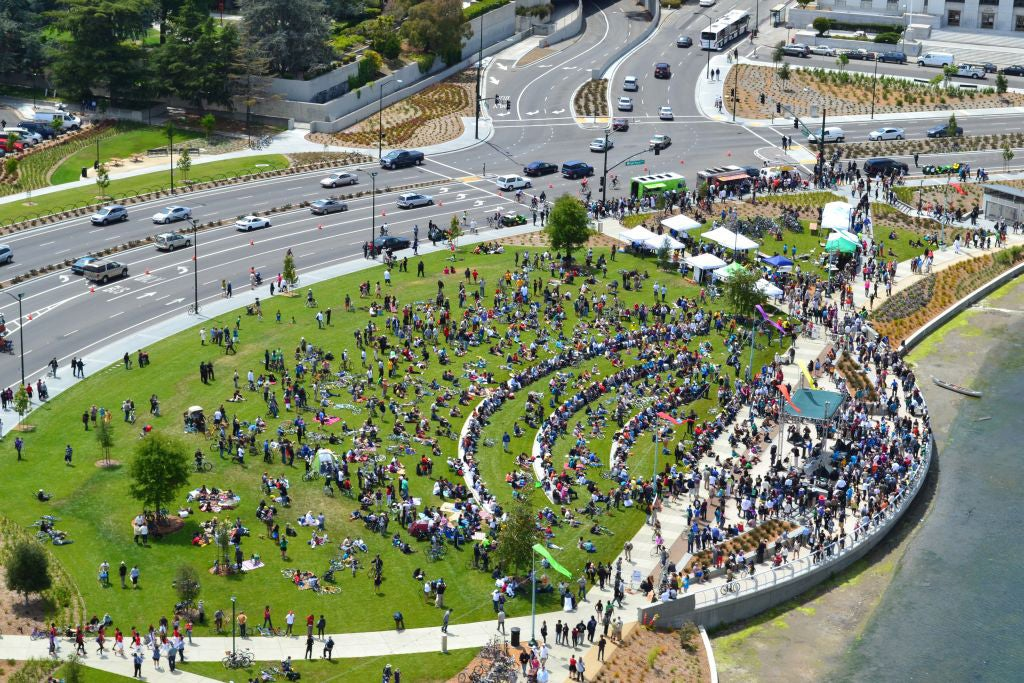 Lake Merritt Boulevard during its dedication ceremony